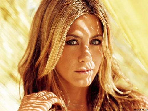 Jennifer-Aniston-2013[1]