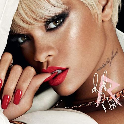 rihanna-mac-makeup-holiday-collection-211013-1[1]